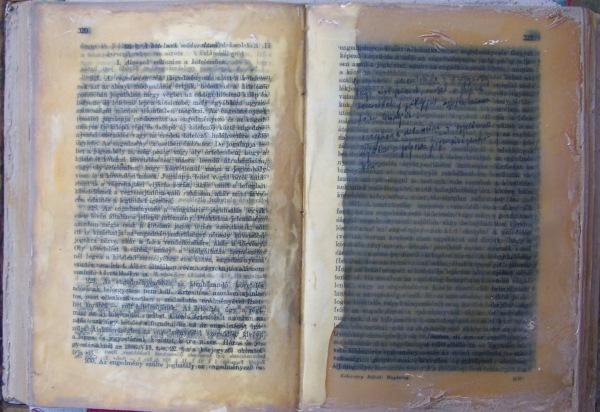 Magánjog Nagypapa jegyzeteivel / Lawbook with my Grandfather's note,  vegyes technika, papír, fa / mixed media, paper, wood, 2012