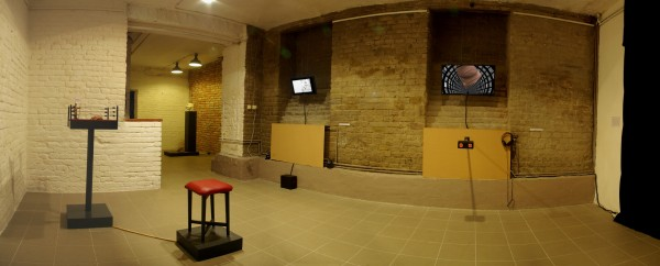 Kontroll / Control, kiállítás enteriőr / exhibition interior, MAMŰ Galéria / Gallery, 2014